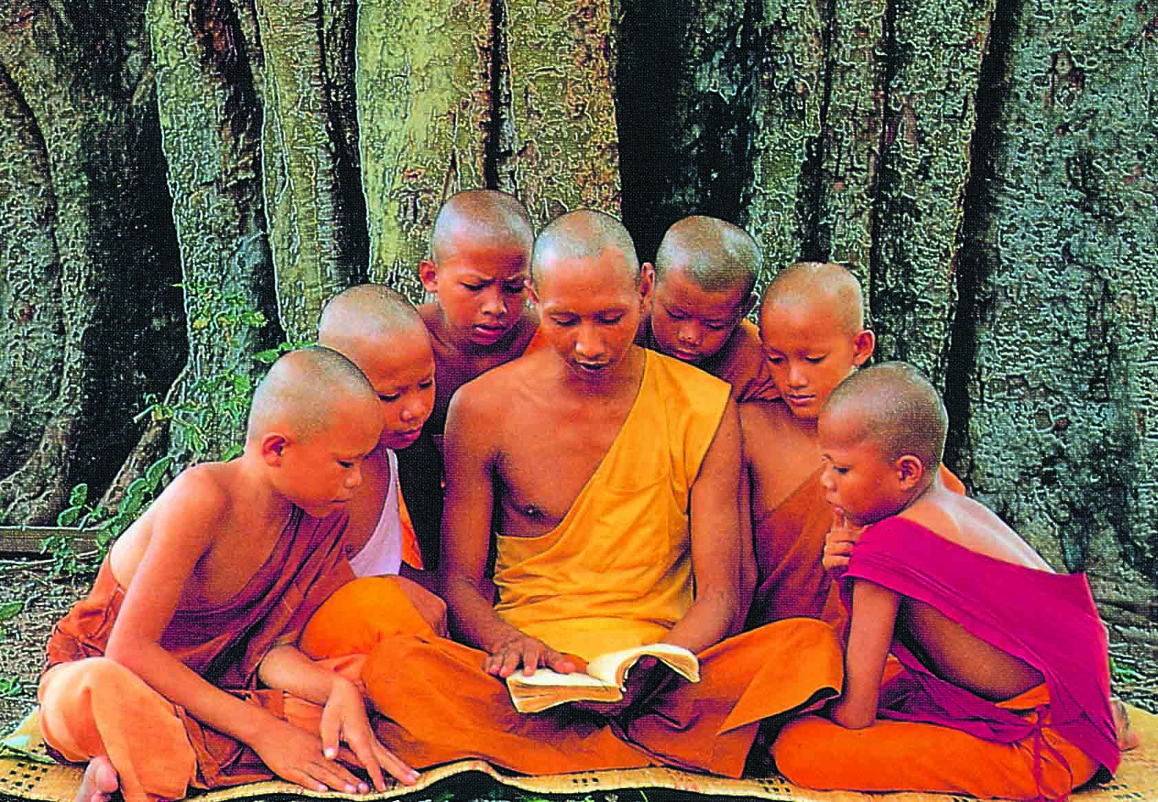 buddhist-monk-with-children